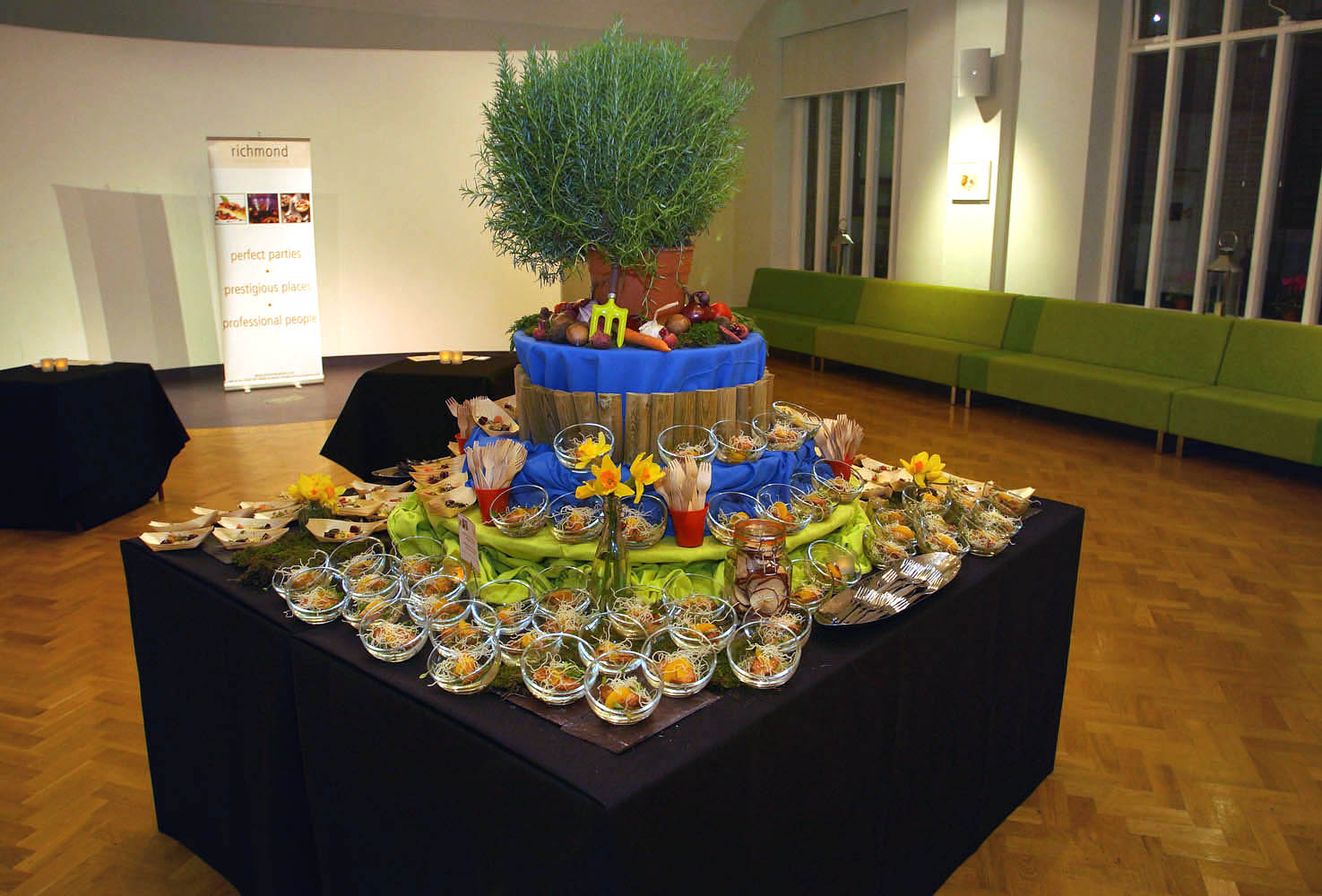 Asian style event catering at London EC2 event venue The Dutch Hall
